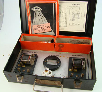 Gilbert 1930s Electric Eye set contents