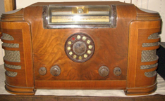 The Silvertone Model M-4766 Teledial Rable Radio