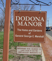 Sign in front of Dodona Manor