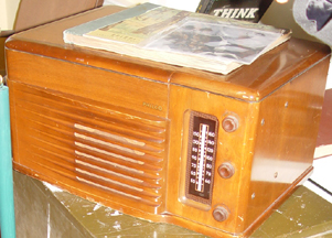 General Marshalls Philco radio closeup
